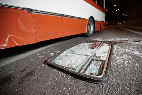 Tabrakan Bus Kramat Jati dan Truk di Karawang, 1 Meninggal dan 4 Terluka
