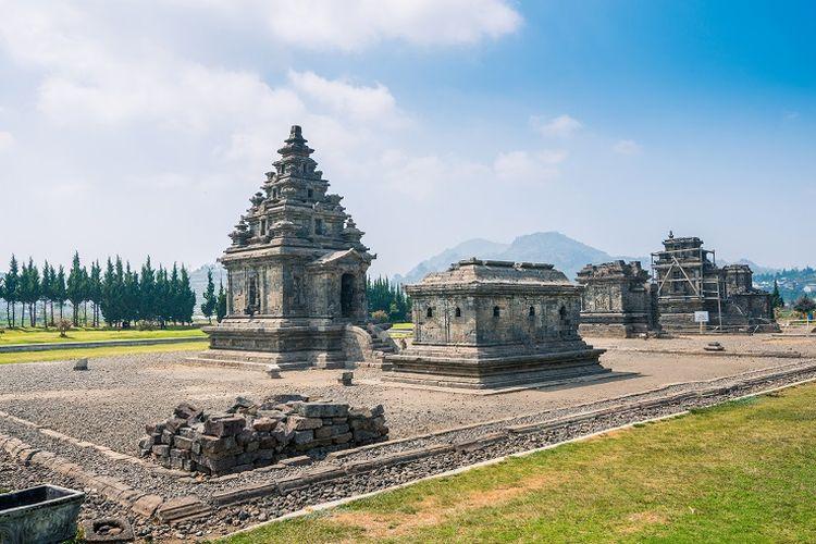Tempat wisata di Kabupaten Banjarnegara - Candi Arjuna di Kabupaten Banjarnegara, Jawa Tengah.