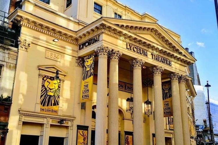 Lyceum Theatre, salah satu lokasi syuting The Crown