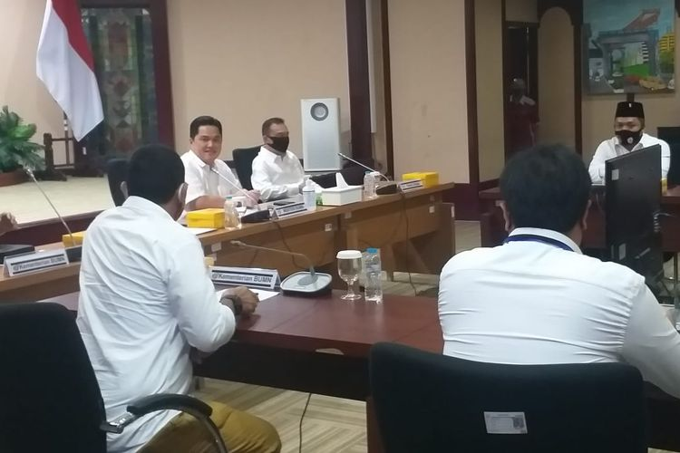 Menteri BUMN Erick Thohir bertemu Ketua Satgas Lawan Covid-19 DPR RI Sufmi Dasco Ahmad di kantor Kementerian BUMN, Kamis (28/5/2020)