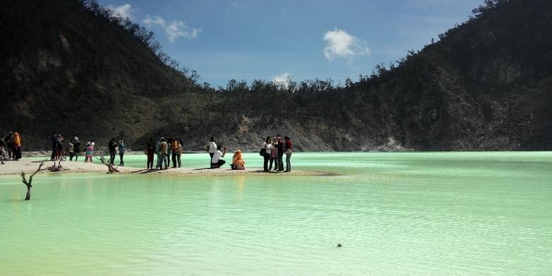 Kawah Putih, Ciwidey, Kabupaten Bandung, Jawa Barat.