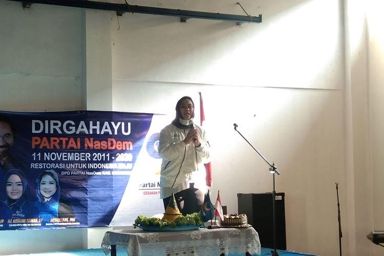 Calon Bupati Karawang Cellica Nurrachadiana pada peringatan HUT ke-9 Partai Nasdem Karawang di Kantor DPD Nasdem Karawang, Jumat (13/11/2020).