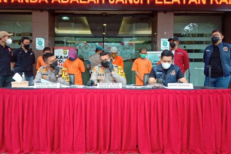Tangkapan layar konferensi pers kasus pencurian dengan pemberatan di Polres Jakarta Selatan, Rabu (14/7/2021)