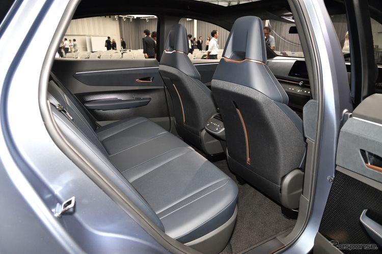 Tampak bangku baris kedua Nissan Ariya versi konsep