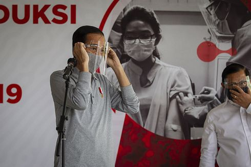 Vaksinasi Berbayar Dibatalkan, Istana Tegaskan Vaksinasi Gotong-royong Tetap Ditanggung Perusahaan