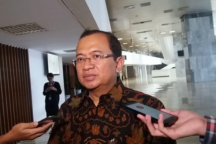 Sekretaris Dewan Kehormatan Partai Golkar, Priyo Budi Santoso di Kompleks Parlemen, Senayan, Jakarta, Jumat (15/12/2017).