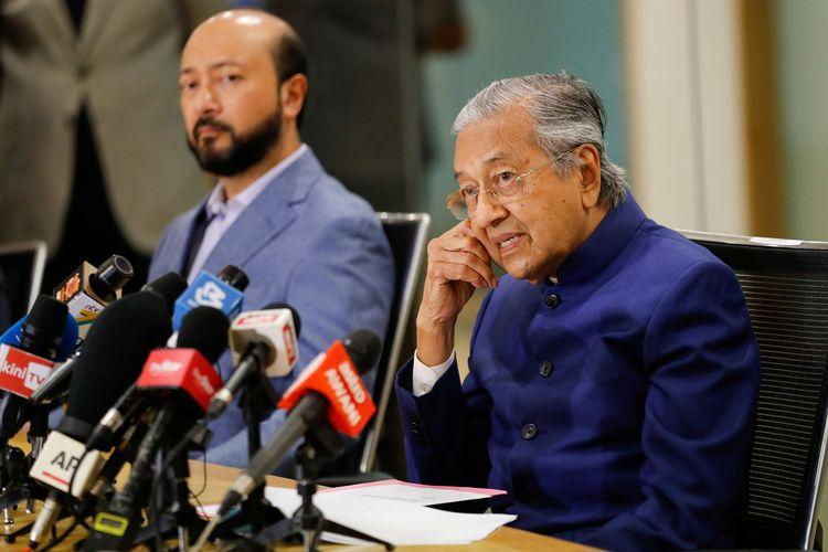 Mantan Perdana Menteri Malaysia Mahathir Mohamad berbicara dalam konferensi pers di Kuala Lumpur, pada 7 Agustus 2020.