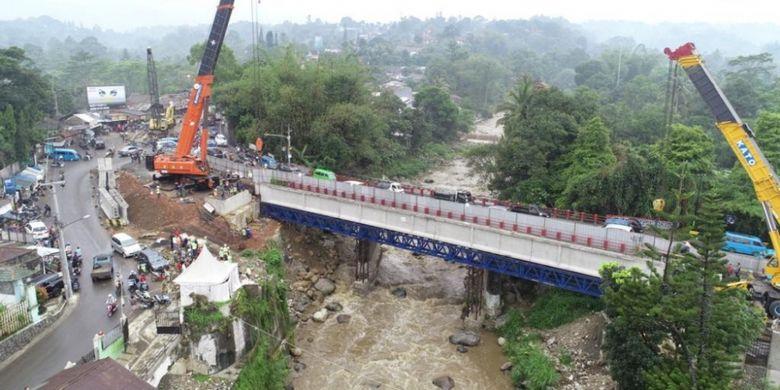 Proyek pelebaran jalur Puncak, Bogor.