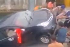 Mobil Tercebur ke Danau Toba, Polisi Selidiki Faktor Cuaca