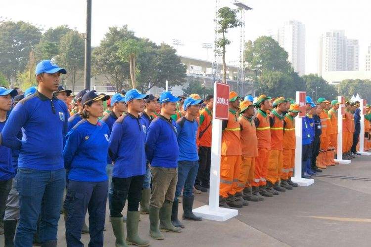Pasukan pelangi ikuti apel grebek area GBK yang dipimpin Gubernur DKI Jakarta Anies Baswedan, Senin (30/7/2018).
