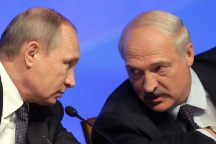 Presiden Rusia, Vladimir Putin dan Presiden Belarus, Aleksandr Lukashenko.