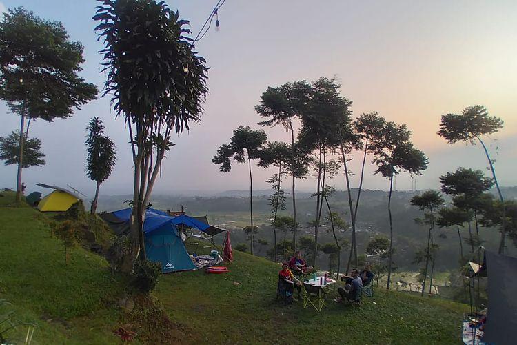 Tempat camping D'bunder View di Gunung Bunder, Bogor