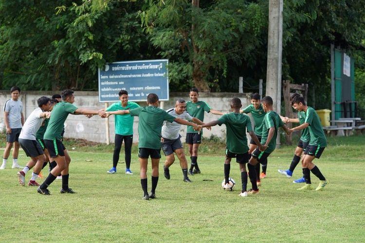 Timnas U-15 Indonesia latihan di Chonburi, Minggu (28/7/2019), jelang laga melawan Singapura.