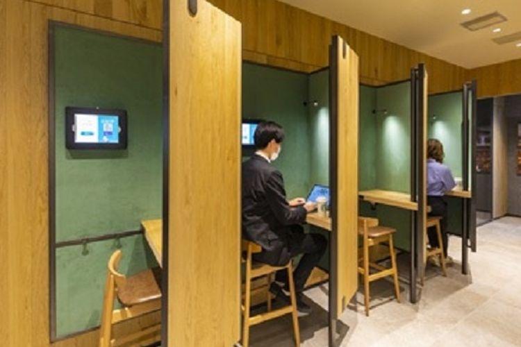 Starbucks Ginza di Tokyo yang menyediakan kapsul kerja.