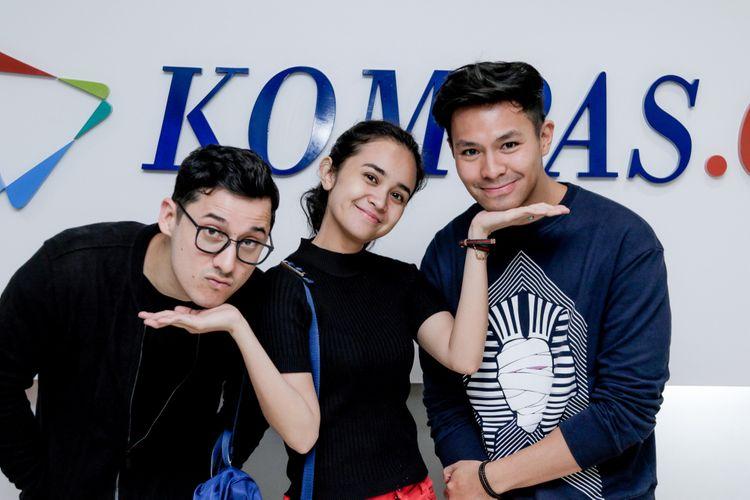 Nino Fernandez, Michelle Ziudith, Fero Walandouw (kiri ke kanan), berpose saat media visit di Kompas.com, Gedung Kompas Gramedia, Palmerah, Jakarta, Rabu (25/4/2018). Mereka beradu akting di film terbaru berjudul Ananta yang  tayang pada 3 Mei 2018.