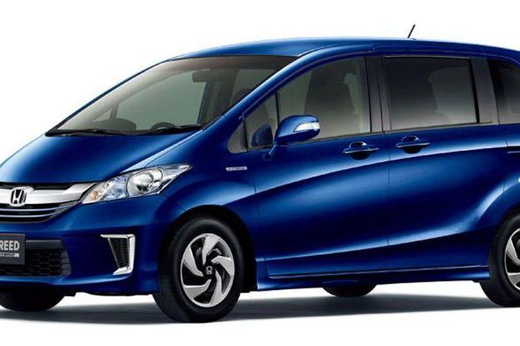 Honda Freed facelift yang sudah dikenalkan di Jepang.