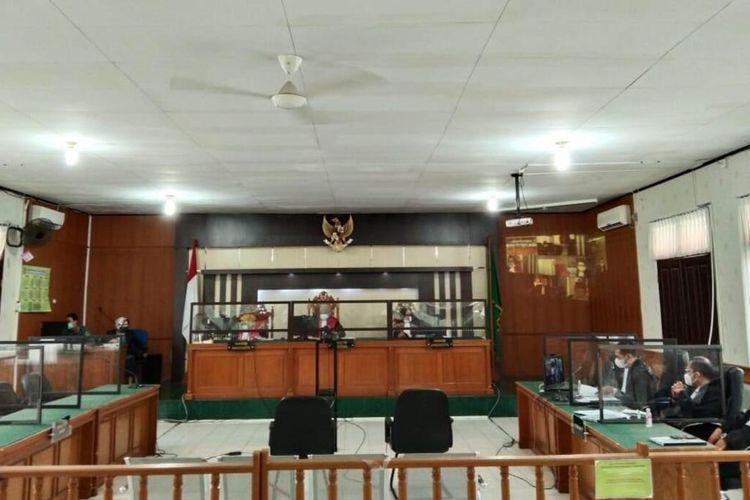 Sidang tuntutan mantan Wali Kota Dumai, Zulkifli AS yang diduga melakukan suap pengurusan DAK dan gratifikasi, digelar virtual di PN Pekanbaru, Riau, Kamis (22/7/2021).