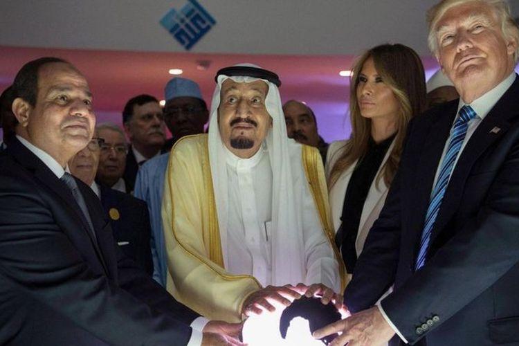 Boikot Qatar terjadi tak lama setelah kunjungan Presiden Trump ke Riyadh pada 2017.