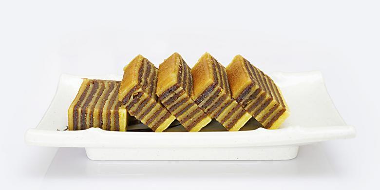 Lapis legit, salah satu kue tradisional Indonesia.