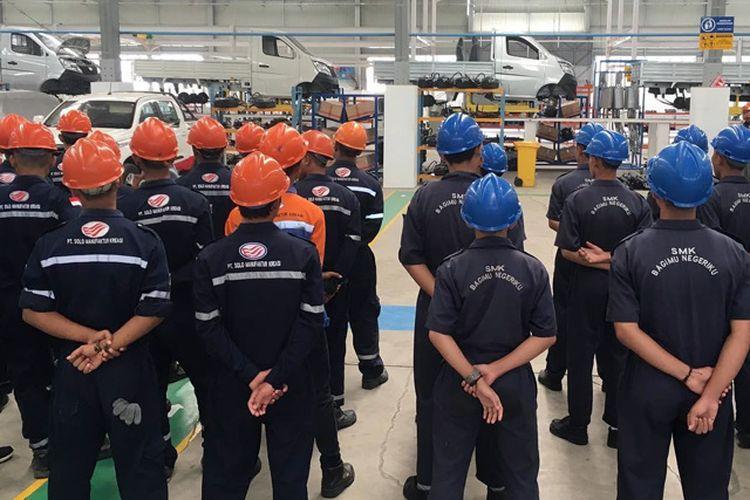 Suasana pabrik Esemka di Boyolali, Jawa Tengah.