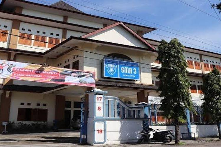 Halaman Depan SMAN3 Surakarta