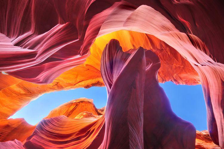 Antelope Canyon, salah satu ngarai tempat wisata di Arizona, Amerika Serikat.