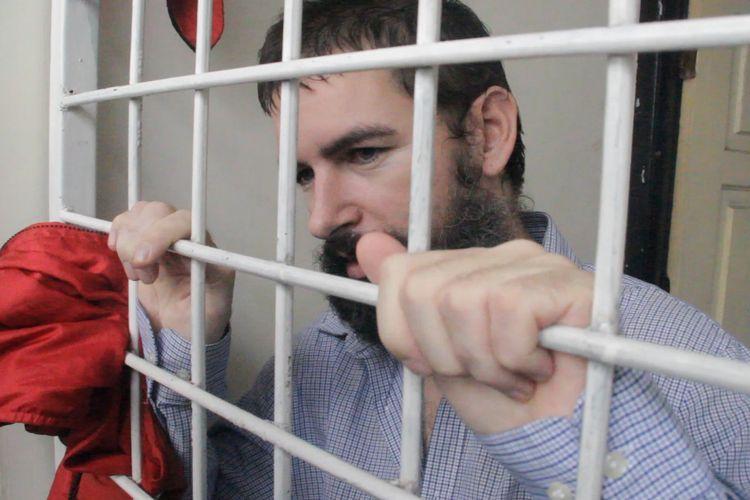 Dorfin Felix usai menjalani sidang tuntuan Jaksa di Pengadilan Negeri Mataram, Senin (29/4/2019). Dorfin dituntut 20 tahun penjara dan denda Rp 10 miliar.