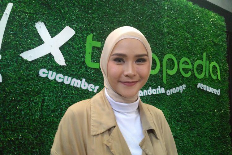 Artis peran Zaskia Adya Mecca saat ditemui di kawasan Ampera, Jakarta Selatan, Senin (27/8/2018)