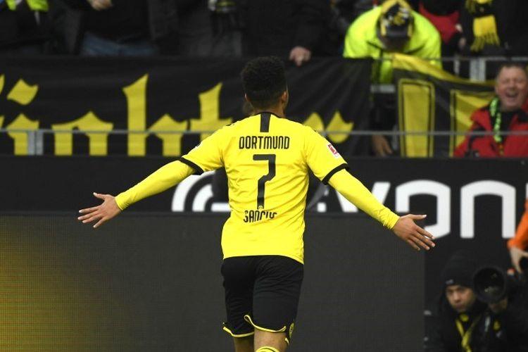 Penyerang Borussia Dortmund, Jadon Sancho, merayakan gol kontra FC Union Berlin pada laga Bundesliga, 1 Februari 2020.