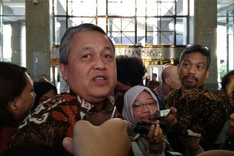Gubernur BI Perry Warjiyo selepas halalbihalal di Kompleks Gedung BI, Jakarta, Jumat (22/6/2018).