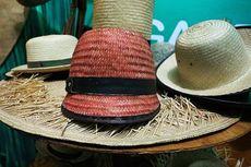 Jangan Lupakan Topi Bambu