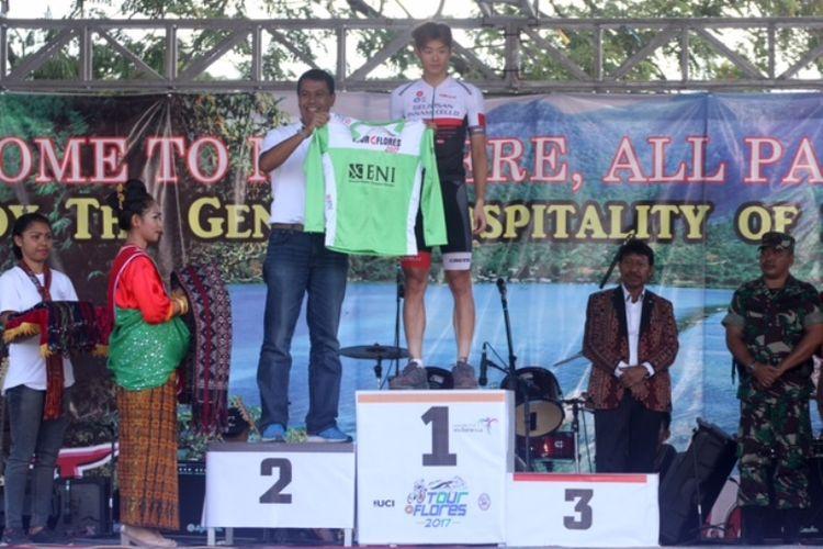 PT Bank Negara Indonesia (Persero) Tbk atau BNI kembali memberikan dukungannya diajang olahraga balap sepeda tingkat internasional Tour de Flores 2017.