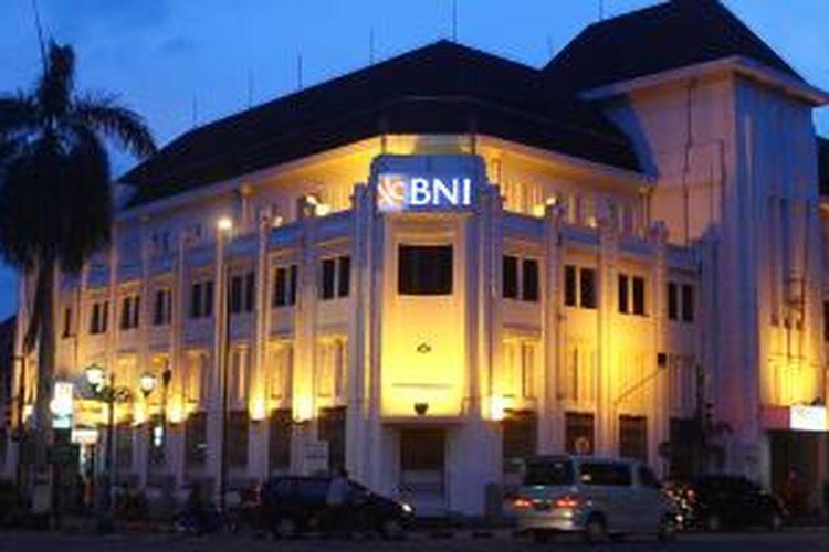 Bangunan Belanda yang dulunya bekas Kantor de Javasche Bank saat ini menjadi Gedung Bank BNI 46 Yogyakarta.