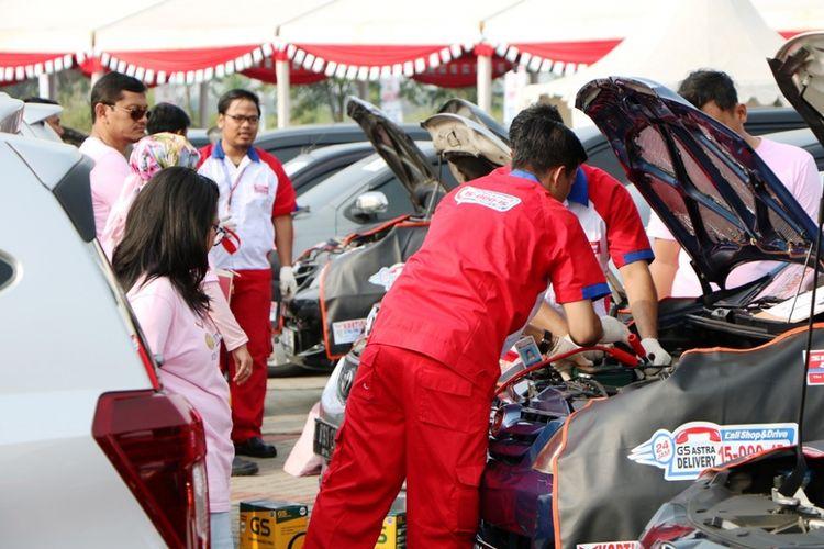 Upaya rekor penggantian aki terbanyak oleh Shop&Drive di Hari Kartini