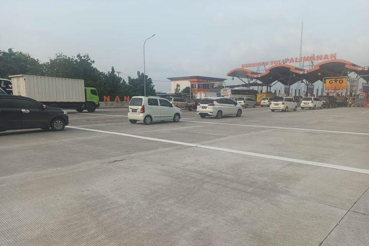 Kondisi arus lalu lintas (lalin) di Tol Cikopo-Palimanan (Cipali), Rabu (05/05/2021).