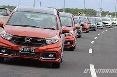 Honda Yakin Mobilio Tahan Gempuran Mitsubishi Expander
