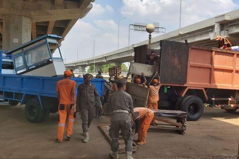 Bangunan Liar hingga PKL di Kolong Tol Becakayu Ditertibkan