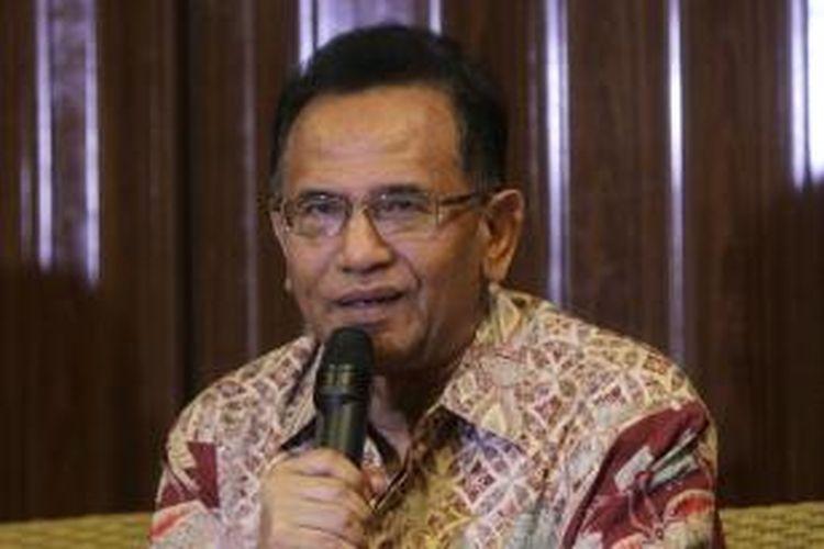 Politisi Partai Gerindra, Martin Hutabarat menjadi nara sumber pada diskusi di Jakarta Pusat, Kamis (23/10/2014). Diskusi ini membahas sosok pimpinan KPK yang ideal versi parlemen.