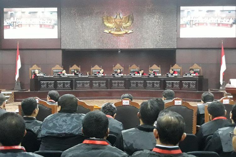 Sidang sengketa hasil pemilu legislatif di Gedung Mahkamah Konstitusi (MK), Jakarta Pusat, Senin (22/7/2019).