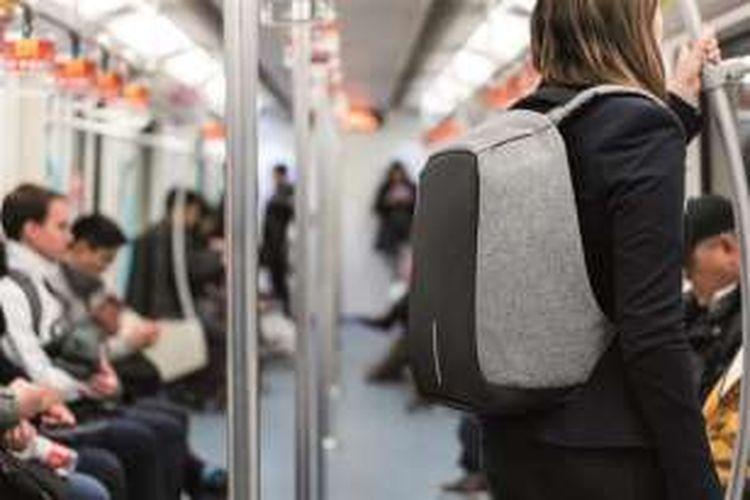 Sebuah perusahaan desain asal Belanda, XD Design membuat tas anti maling yang diberi nama