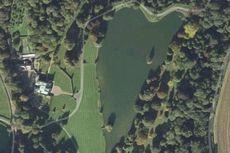 Dilengkapi Danau Berbentuk Hati, Kastil Ini Paling Romantis di Inggris