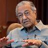 Sebut Macron Primitif, Mahathir Dukung Boikot Produk-produk Perancis