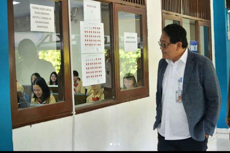 Kepala Dinas Pendidikan Provinsi DKI Jakarta Monitoring UNBK di SMAN 2 Jakarta Barat (11/4/2018)