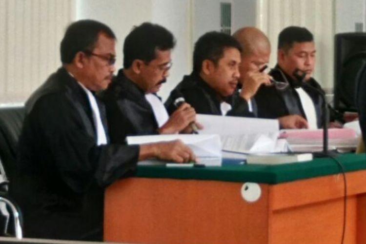 Tim JPU saat membacakan BAP Ahok dengan terdakwa Buni Yani dalam sidang, Selasa (15/8/2017).