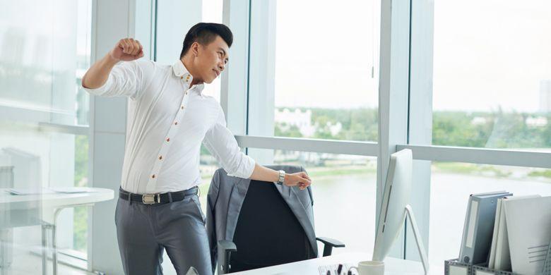 Ilustrasi peregangan di kantor