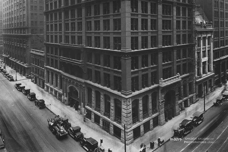 Home Insurance Building di Chicago, gedung perncakar langit pertama di dunia. [Via Thought Co]