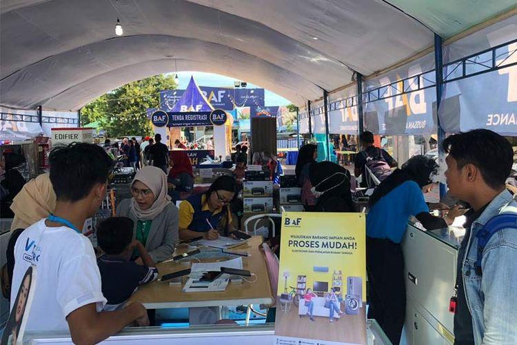 BAF menawarkan produk seperti Dana Syariah, motor yamaha, mobil baru, elektronik, gadget  dan furnitur, serta mesin pertanian.