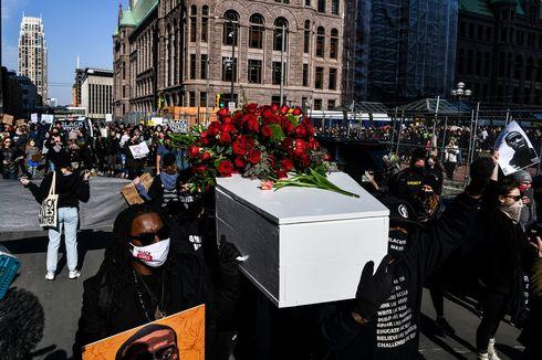 Jelang Sidang Derek Chauvin Pembunuh George Floyd, Warga Datang Bawa Peti Mati