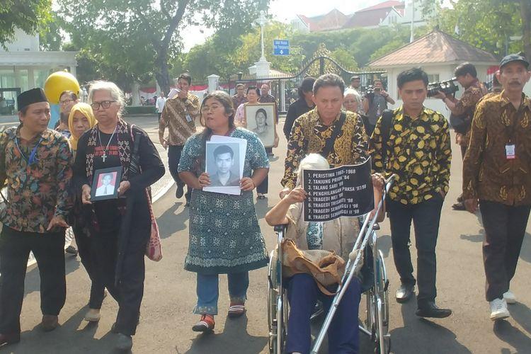 Peserta Aksi Kamisan bertemu Jokowi di Istana, Kamis (31/5/2018).