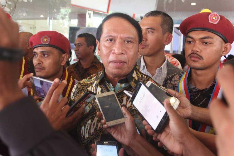 Menteri Pemuda dan Olahraga, Zainudin Amali memberikan sambutan dalam acara pembukaan Kongres Perhimpunan Mahasiswa Katolik Republik Indonesia (PMKRI) ke-31 di Gedung Xaverius, Ambon, Kamis (6/2/2020)